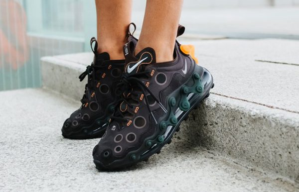 Nike-Air-Max-720-ISPA-Black-CD2182-001-on-foot-01